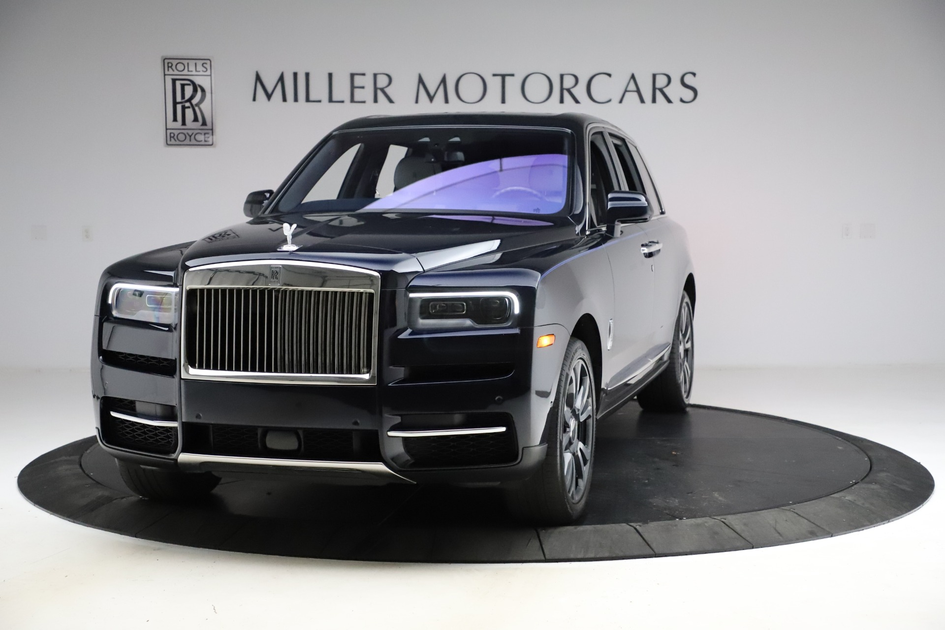 Used 2019 Rolls-Royce Cullinan for sale $349,900 at Pagani of Greenwich in Greenwich CT 06830 1