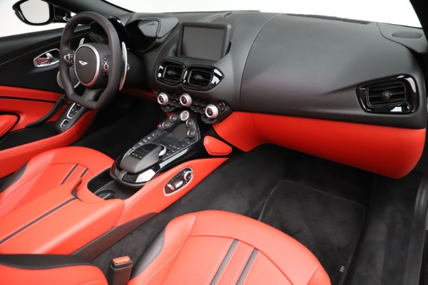 New 2021 Aston Martin Vantage Roadster Convertible for sale $189,186 at Pagani of Greenwich in Greenwich CT 06830 18