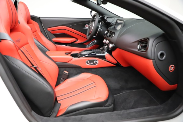 New 2021 Aston Martin Vantage Roadster Convertible for sale $189,186 at Pagani of Greenwich in Greenwich CT 06830 19