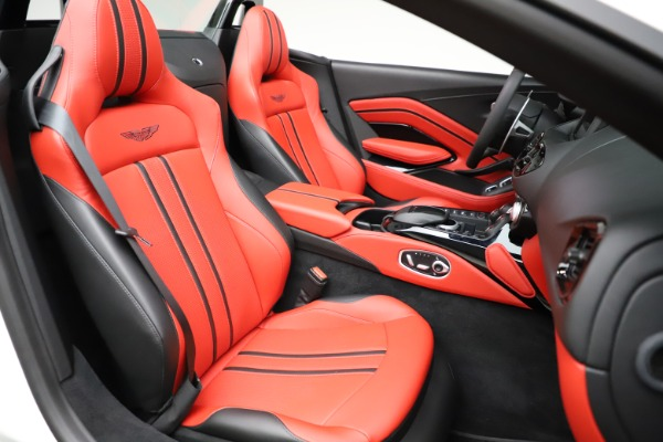 New 2021 Aston Martin Vantage Roadster Convertible for sale $189,186 at Pagani of Greenwich in Greenwich CT 06830 20