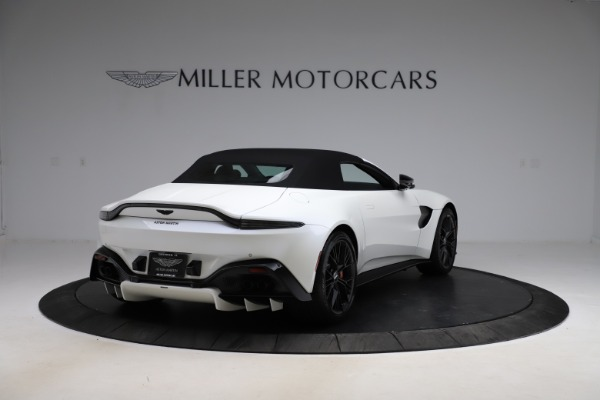 New 2021 Aston Martin Vantage Roadster Convertible for sale $189,186 at Pagani of Greenwich in Greenwich CT 06830 24