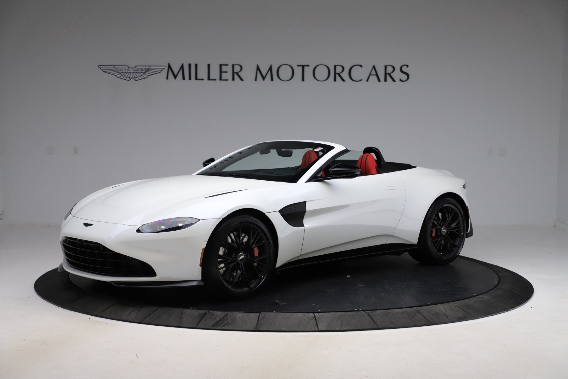 New 2021 Aston Martin Vantage Roadster Convertible for sale $189,186 at Pagani of Greenwich in Greenwich CT 06830 1