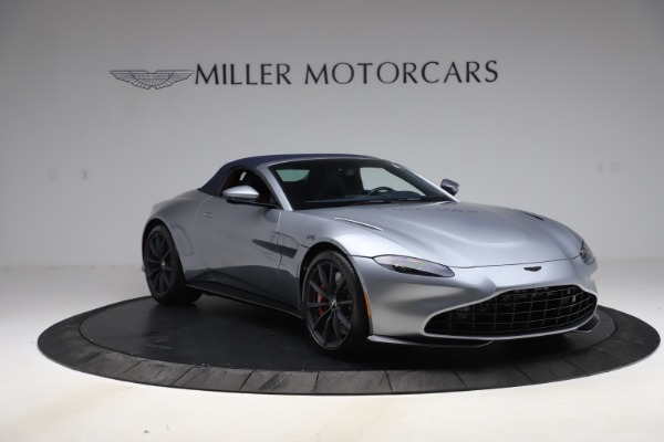 New 2021 Aston Martin Vantage Roadster Convertible for sale $199,285 at Pagani of Greenwich in Greenwich CT 06830 20