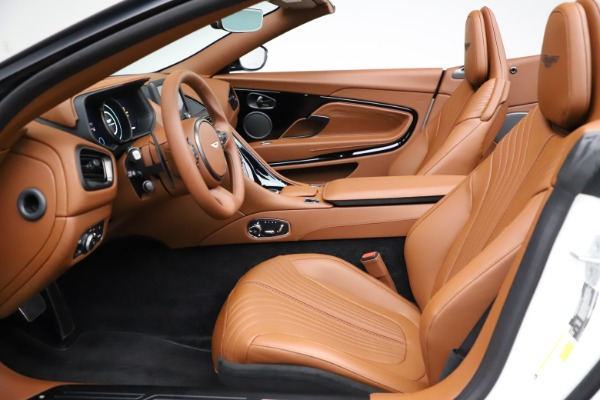 New 2021 Aston Martin DB11 Volante for sale $269,486 at Pagani of Greenwich in Greenwich CT 06830 19