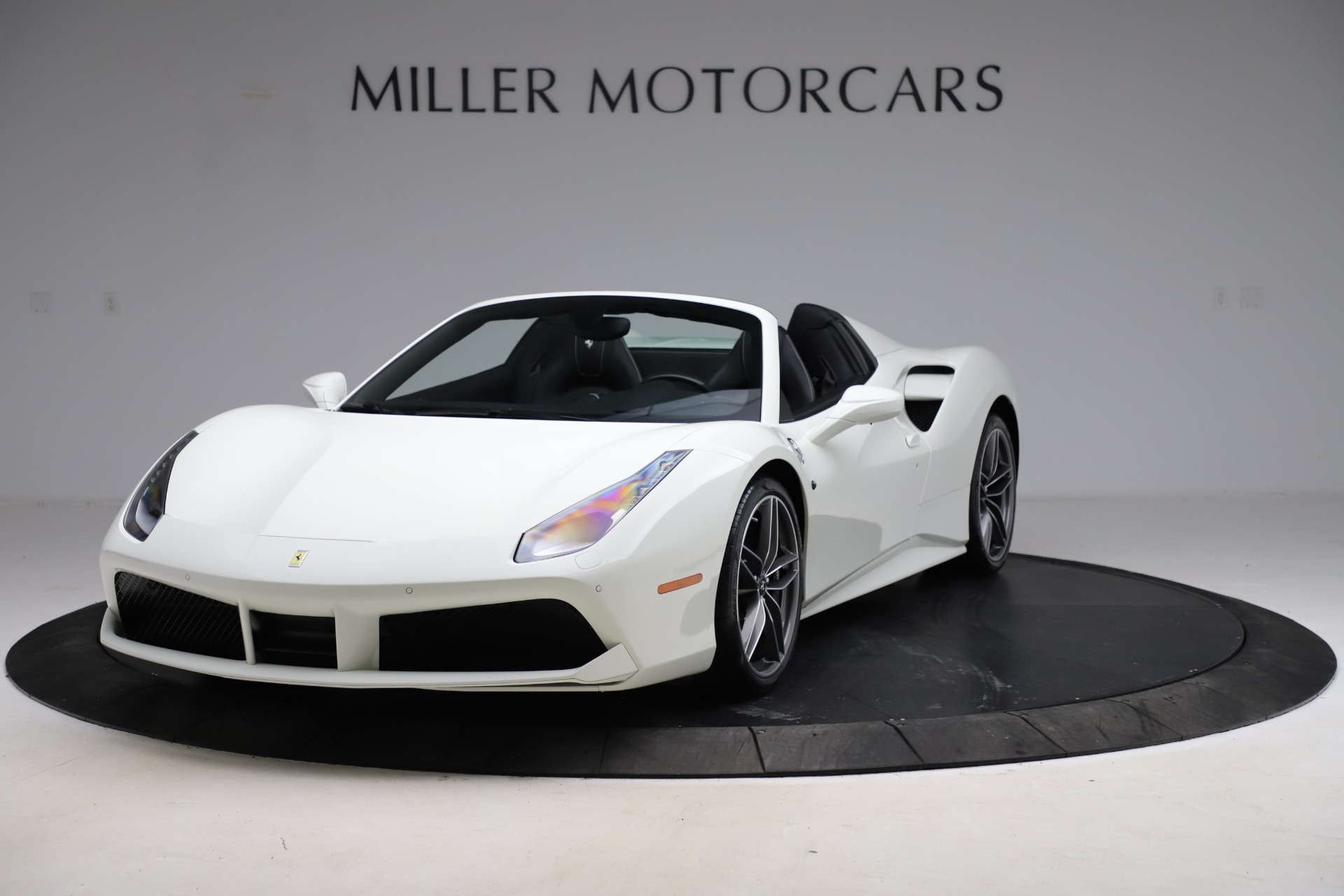Used 2017 Ferrari 488 Spider for sale $289,900 at Pagani of Greenwich in Greenwich CT 06830 1