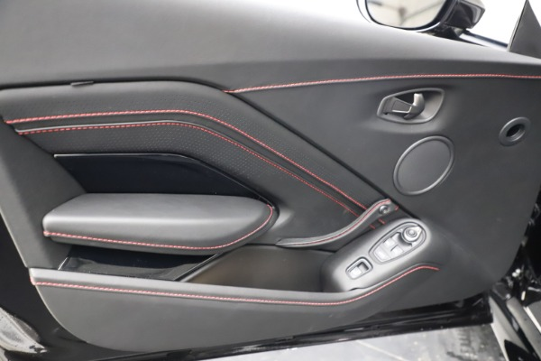 New 2021 Aston Martin Vantage Roadster Convertible for sale $189,186 at Pagani of Greenwich in Greenwich CT 06830 16