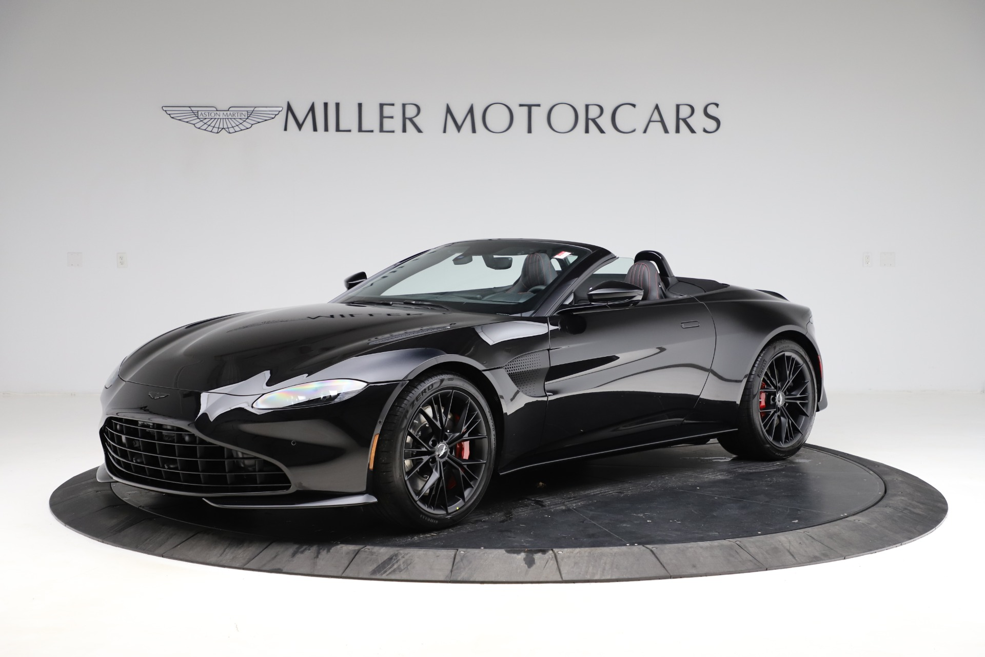 New 2021 Aston Martin Vantage Roadster for sale $189,186 at Pagani of Greenwich in Greenwich CT 06830 1
