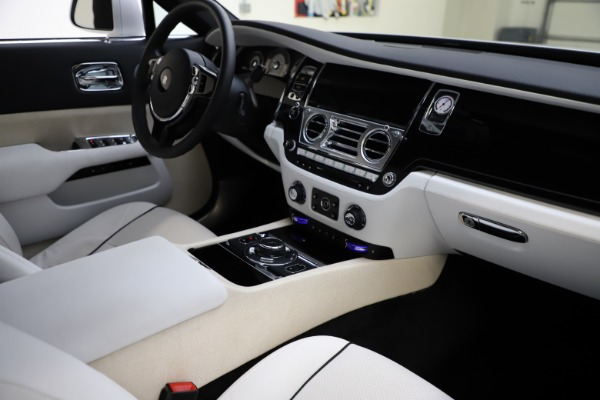 Used 2014 Rolls-Royce Wraith for sale Sold at Pagani of Greenwich in Greenwich CT 06830 16