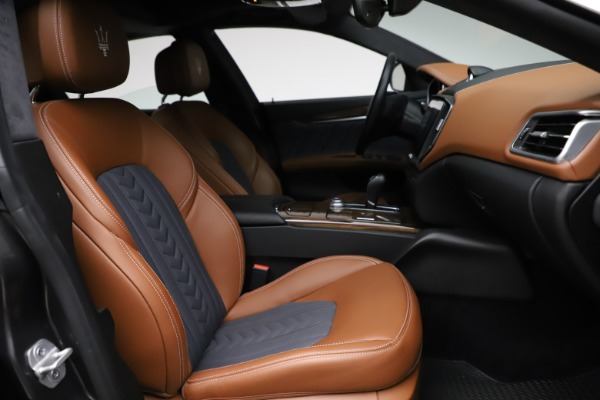 Used 2018 Maserati Ghibli SQ4 GranLusso for sale $51,900 at Pagani of Greenwich in Greenwich CT 06830 22