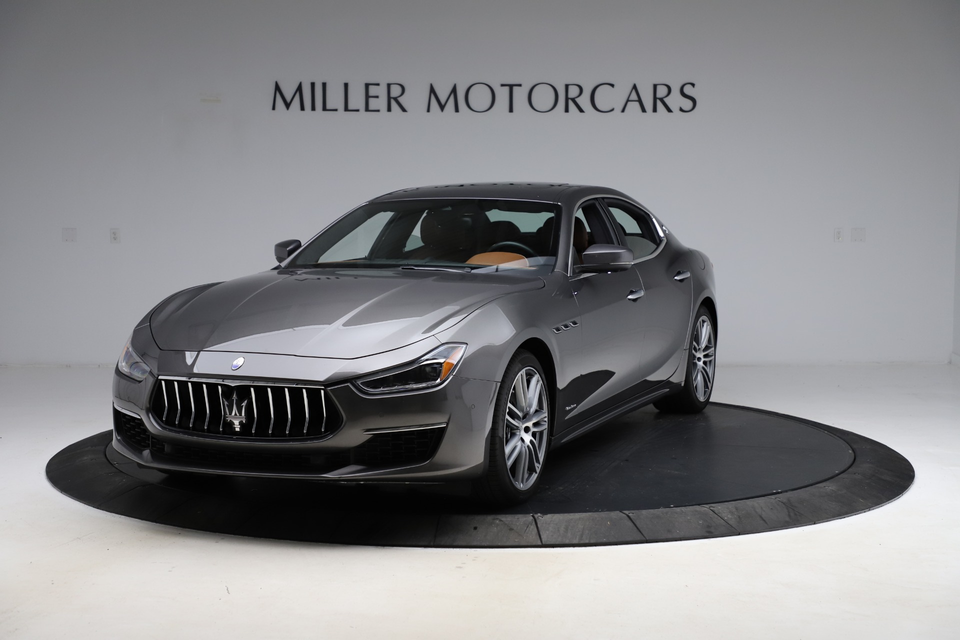 Used 2018 Maserati Ghibli SQ4 GranLusso for sale $51,900 at Pagani of Greenwich in Greenwich CT 06830 1