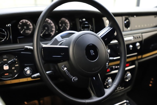 Used 2015 Rolls-Royce Phantom EWB for sale $299,900 at Pagani of Greenwich in Greenwich CT 06830 12