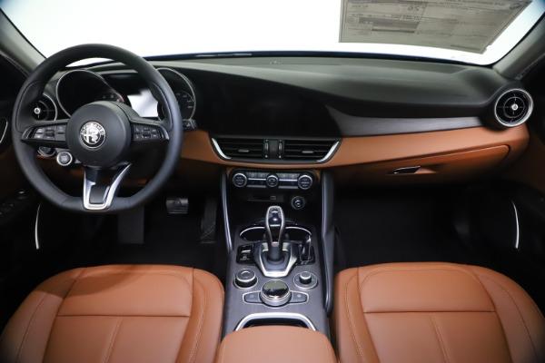 New 2021 Alfa Romeo Giulia Ti Q4 for sale $51,100 at Pagani of Greenwich in Greenwich CT 06830 16