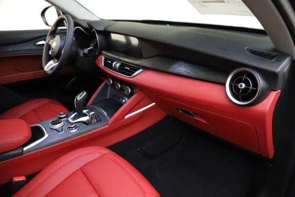 New 2021 Alfa Romeo Stelvio Q4 for sale $48,050 at Pagani of Greenwich in Greenwich CT 06830 22