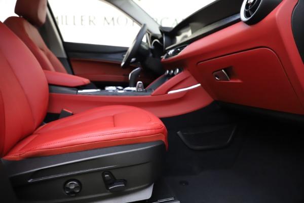 New 2021 Alfa Romeo Stelvio Q4 for sale $48,050 at Pagani of Greenwich in Greenwich CT 06830 23