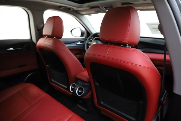 New 2021 Alfa Romeo Stelvio Q4 for sale $48,050 at Pagani of Greenwich in Greenwich CT 06830 28
