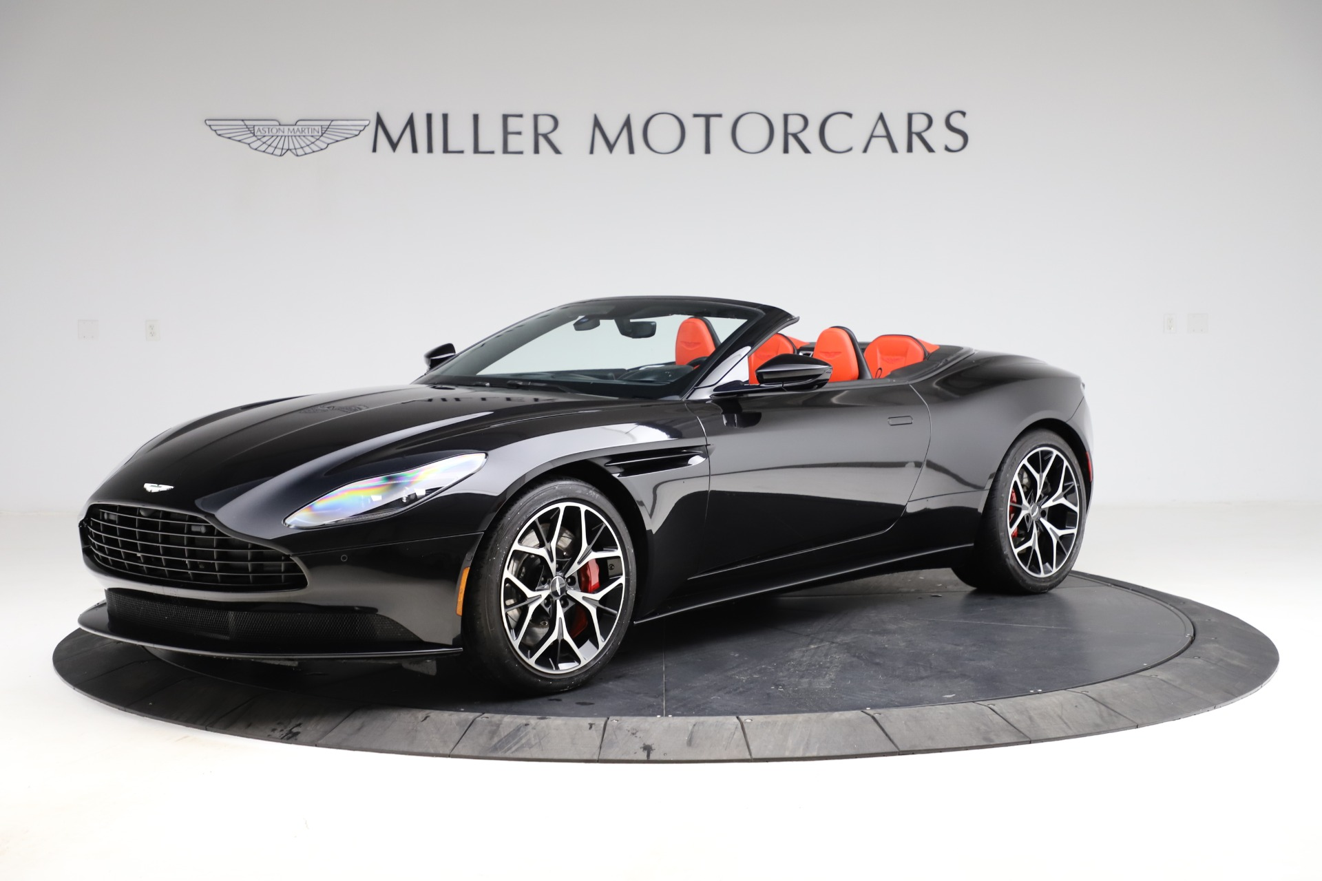 Used 2019 Aston Martin DB11 Volante for sale $204,900 at Pagani of Greenwich in Greenwich CT 06830 1