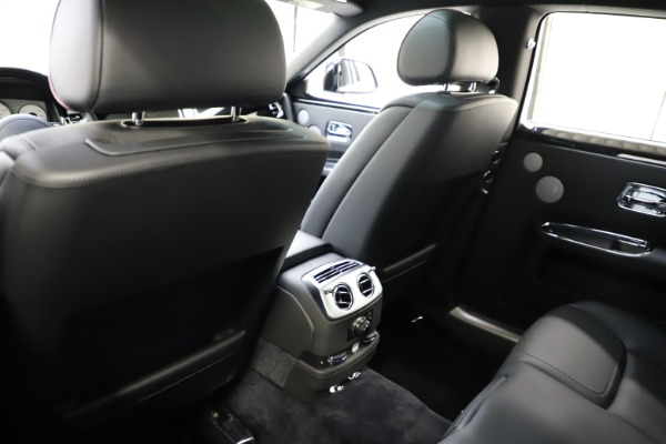 Used 2016 Rolls-Royce Ghost for sale $165,900 at Pagani of Greenwich in Greenwich CT 06830 16