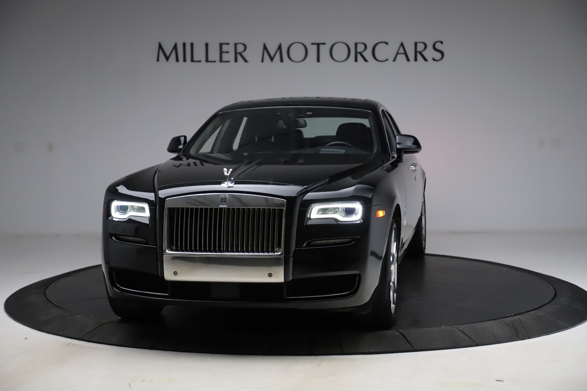 Used 2016 Rolls-Royce Ghost for sale $165,900 at Pagani of Greenwich in Greenwich CT 06830 1