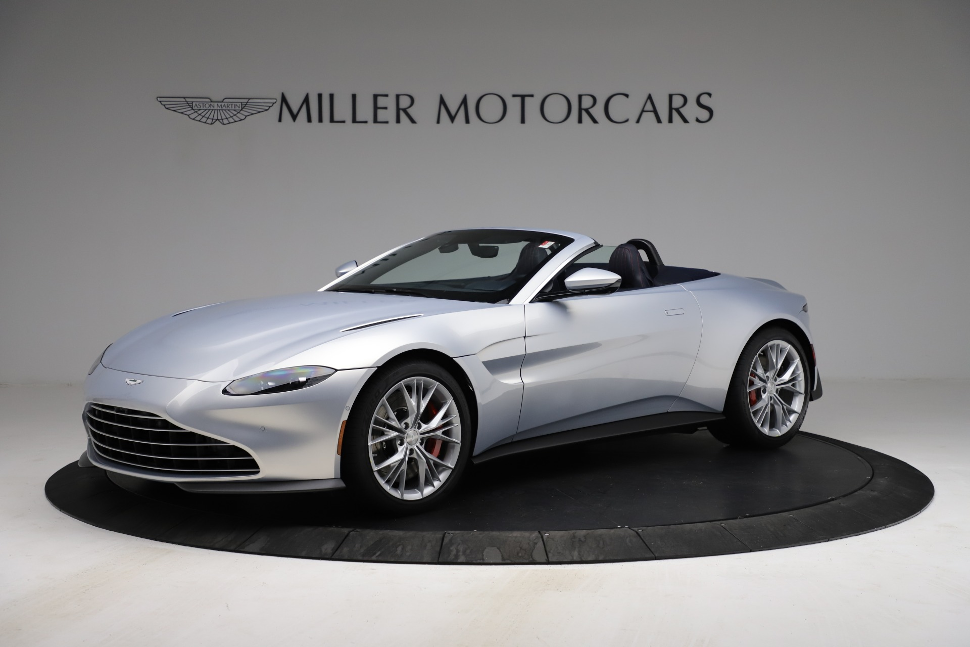 New 2021 Aston Martin Vantage Roadster for sale $184,286 at Pagani of Greenwich in Greenwich CT 06830 1