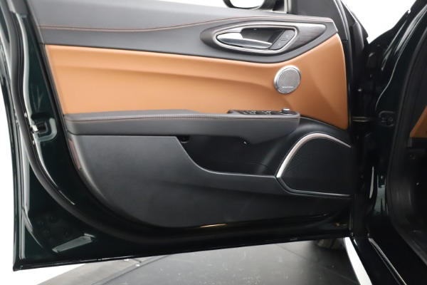 New 2021 Alfa Romeo Giulia Ti Q4 for sale $52,600 at Pagani of Greenwich in Greenwich CT 06830 19