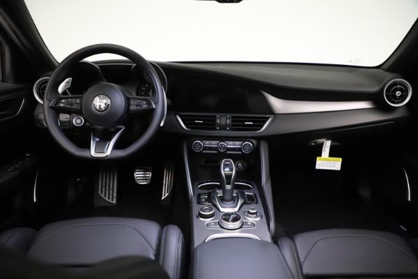 New 2021 Alfa Romeo Giulia Ti Sport Q4 for sale $53,850 at Pagani of Greenwich in Greenwich CT 06830 17