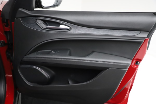 New 2021 Alfa Romeo Stelvio Q4 for sale $50,535 at Pagani of Greenwich in Greenwich CT 06830 23