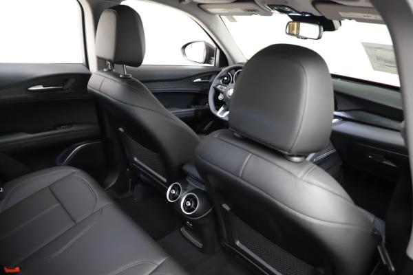 New 2021 Alfa Romeo Stelvio Q4 for sale $50,535 at Pagani of Greenwich in Greenwich CT 06830 24