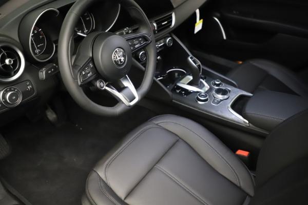 New 2021 Alfa Romeo Giulia Q4 for sale $46,895 at Pagani of Greenwich in Greenwich CT 06830 13