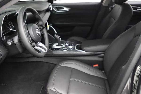New 2021 Alfa Romeo Giulia Q4 for sale $46,895 at Pagani of Greenwich in Greenwich CT 06830 14