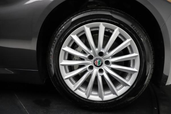 New 2021 Alfa Romeo Giulia Q4 for sale $46,895 at Pagani of Greenwich in Greenwich CT 06830 25