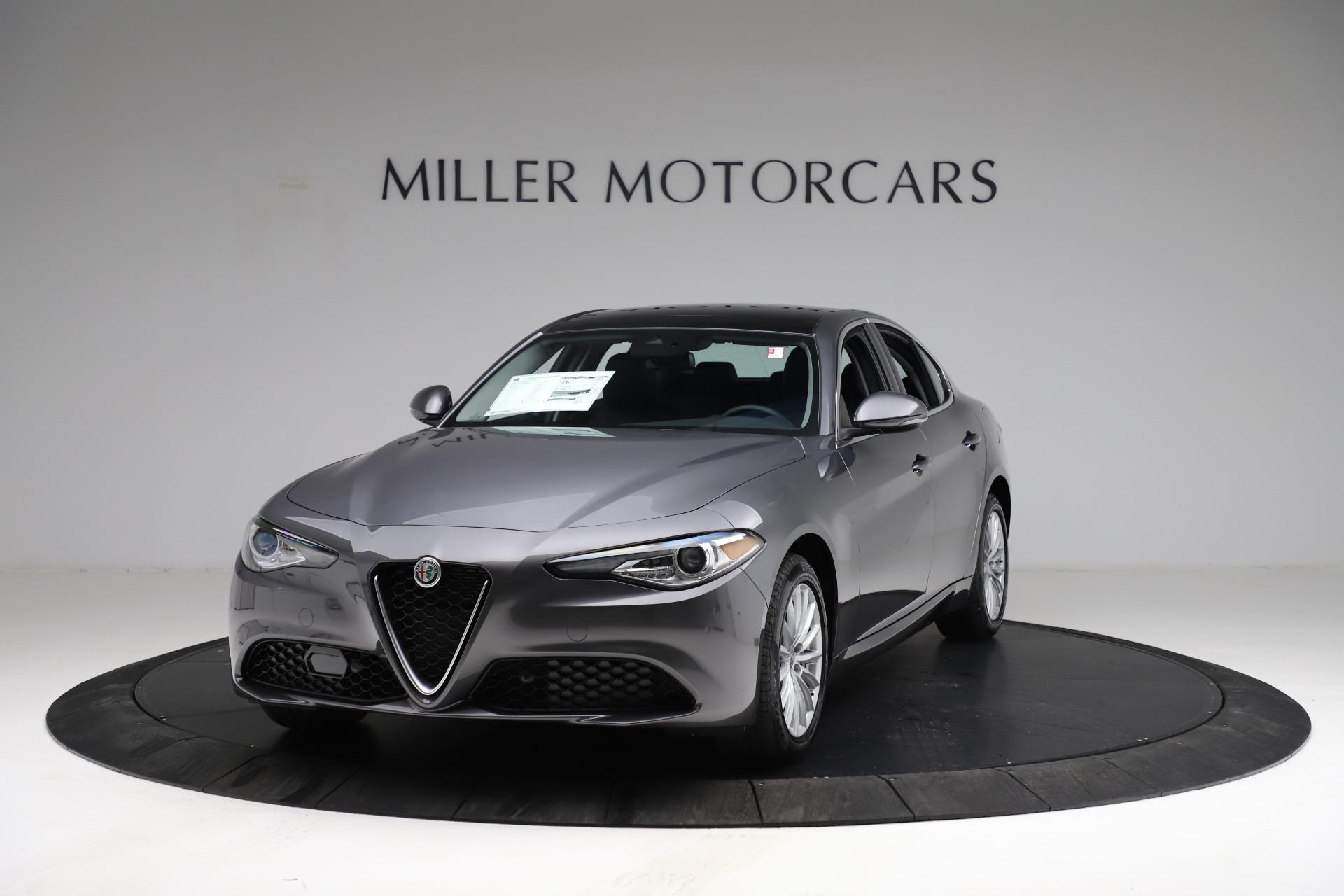 New 2021 Alfa Romeo Giulia Q4 for sale $46,895 at Pagani of Greenwich in Greenwich CT 06830 1