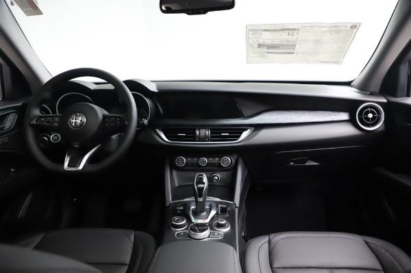New 2021 Alfa Romeo Stelvio Q4 for sale $49,785 at Pagani of Greenwich in Greenwich CT 06830 17
