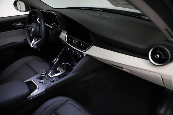 New 2021 Alfa Romeo Giulia Q4 for sale $46,895 at Pagani of Greenwich in Greenwich CT 06830 22