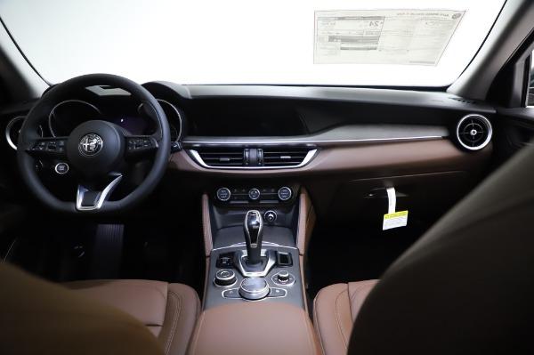 New 2021 Alfa Romeo Stelvio Ti Q4 for sale $54,000 at Pagani of Greenwich in Greenwich CT 06830 17