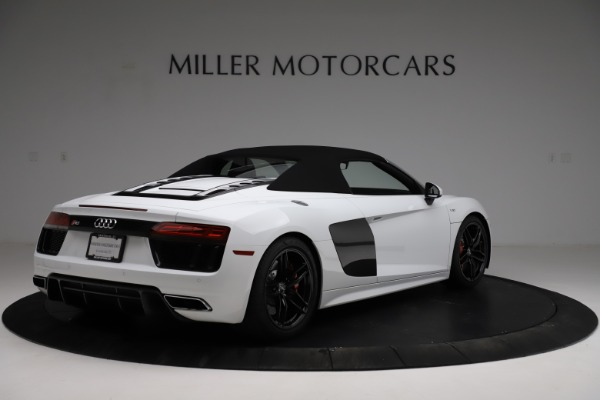 Used 2018 Audi R8 Spyder for sale $154,900 at Pagani of Greenwich in Greenwich CT 06830 17