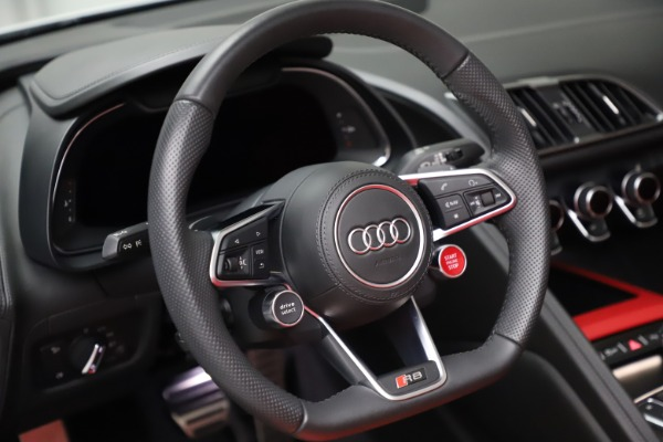 Used 2018 Audi R8 Spyder for sale $154,900 at Pagani of Greenwich in Greenwich CT 06830 24
