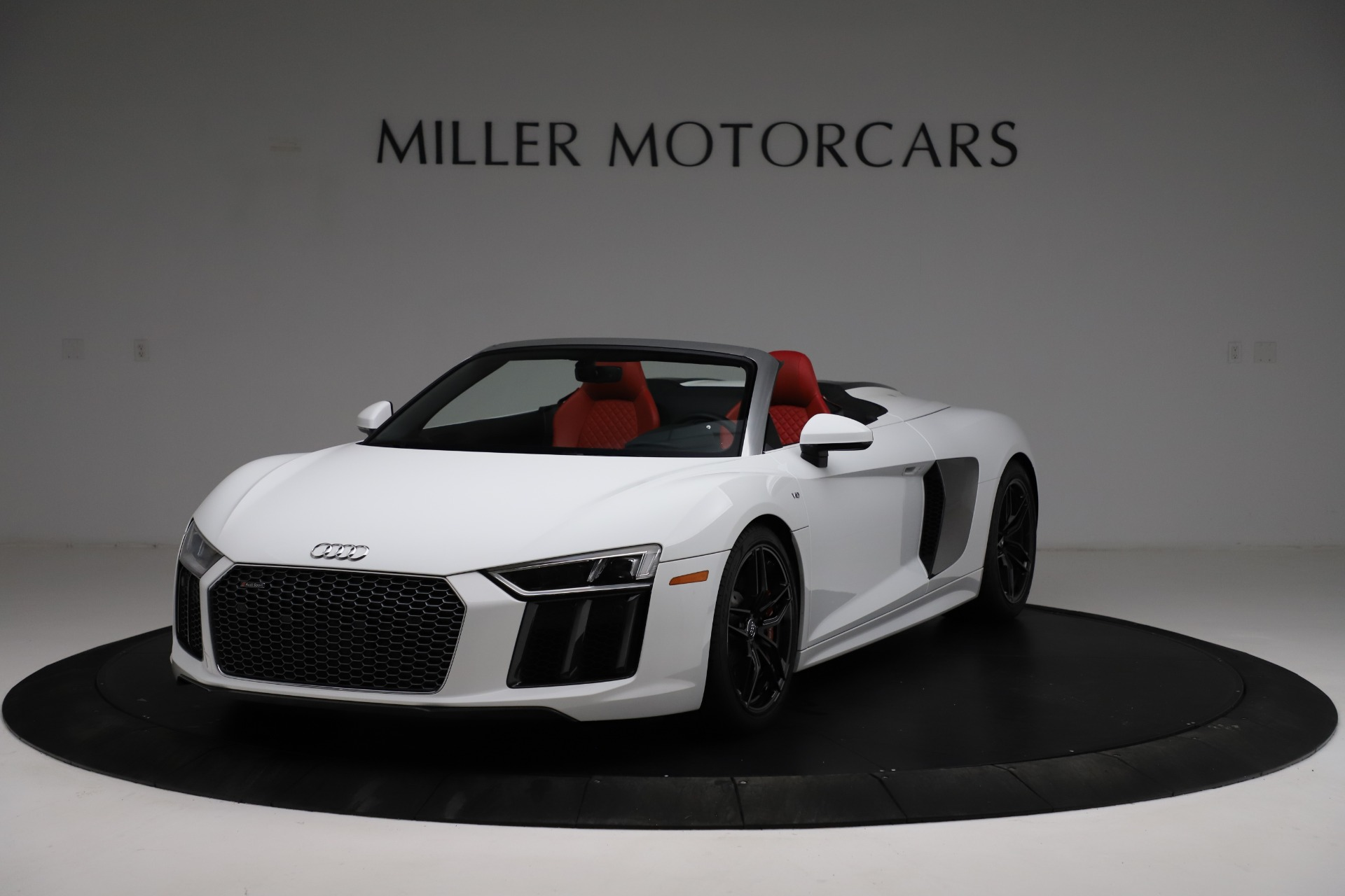 Used 2018 Audi R8 Spyder for sale $154,900 at Pagani of Greenwich in Greenwich CT 06830 1