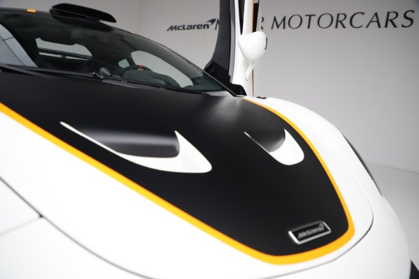 New 2020 McLaren 620R for sale $312,605 at Pagani of Greenwich in Greenwich CT 06830 27