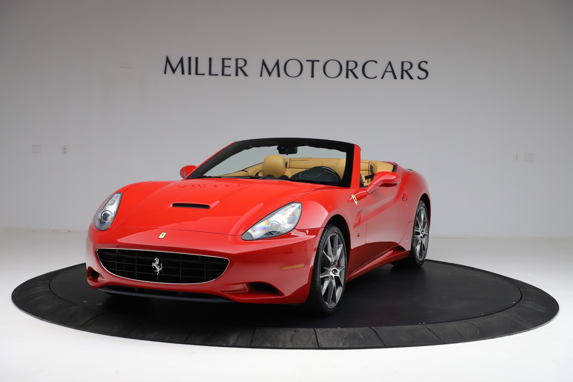 Used 2010 Ferrari California for sale $114,900 at Pagani of Greenwich in Greenwich CT 06830 1