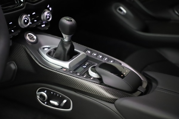 New 2021 Aston Martin Vantage for sale $178,986 at Pagani of Greenwich in Greenwich CT 06830 17