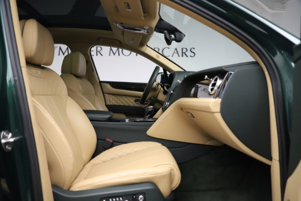 Used 2018 Bentley Bentayga W12 Signature for sale $159,900 at Pagani of Greenwich in Greenwich CT 06830 25