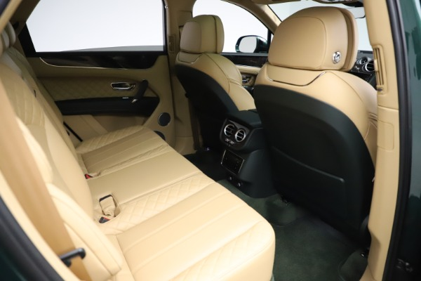 Used 2018 Bentley Bentayga W12 Signature for sale $159,900 at Pagani of Greenwich in Greenwich CT 06830 27