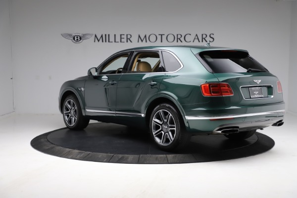 Used 2018 Bentley Bentayga W12 Signature for sale $159,900 at Pagani of Greenwich in Greenwich CT 06830 5
