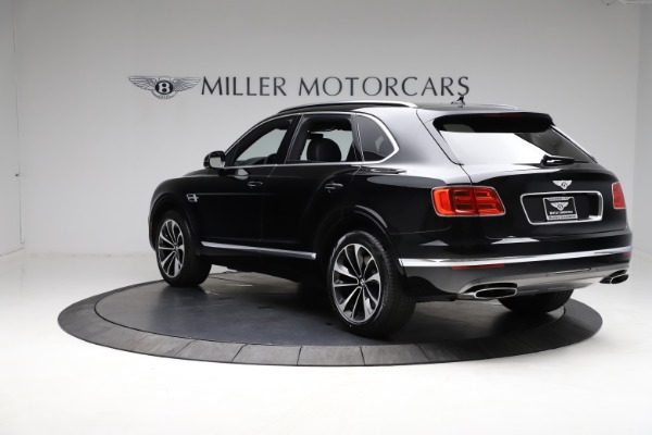Used 2018 Bentley Bentayga W12 Signature for sale $153,900 at Pagani of Greenwich in Greenwich CT 06830 6