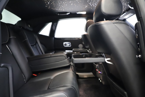 Used 2018 Rolls-Royce Ghost for sale $249,900 at Pagani of Greenwich in Greenwich CT 06830 24