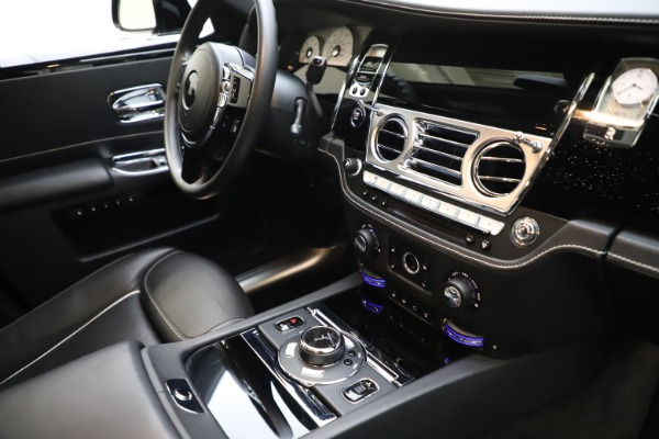 Used 2018 Rolls-Royce Ghost for sale $249,900 at Pagani of Greenwich in Greenwich CT 06830 26