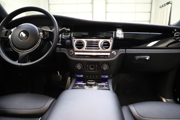 Used 2018 Rolls-Royce Ghost for sale $249,900 at Pagani of Greenwich in Greenwich CT 06830 27