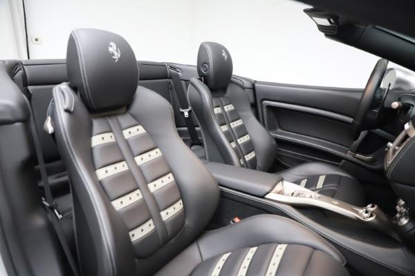 Used 2010 Ferrari California for sale $114,900 at Pagani of Greenwich in Greenwich CT 06830 27