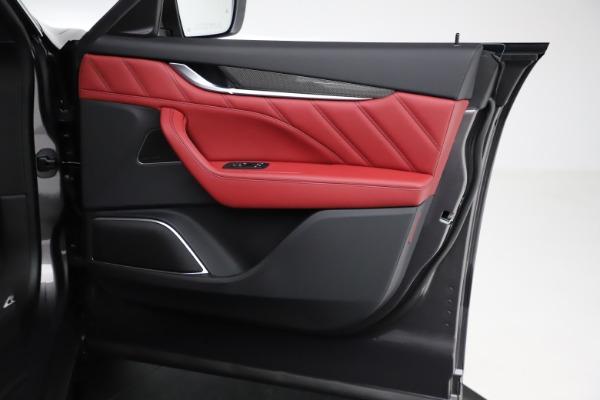 New 2021 Maserati Levante S Q4 GranLusso for sale $105,549 at Pagani of Greenwich in Greenwich CT 06830 21