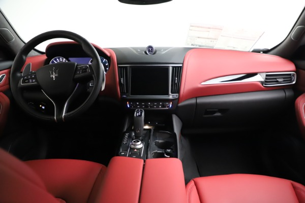New 2021 Maserati Levante Q4 for sale Call for price at Pagani of Greenwich in Greenwich CT 06830 16